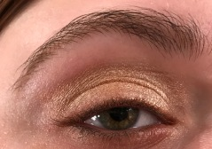 Glisten Eye