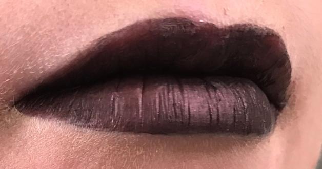 Black Winged Roses Lips
