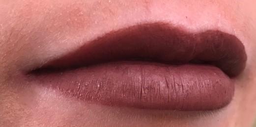 NM Hellebore Lips